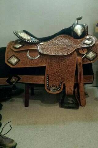 Consignment Western Saddles - Kelleyville Horse Supply